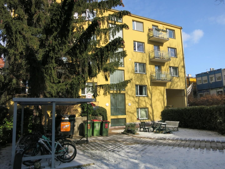 Alles ist neu! Sonnige Wohnung mit Balkon in U4 Nähe!