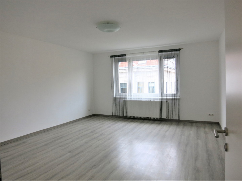 Familienwohnung mit Grünflächen und Balkon in U4 Nähe!