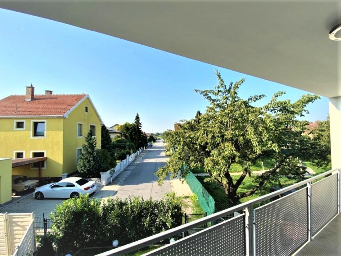 Wohnen mit großzügigen Räumen und großem, sonnigen Balkon!