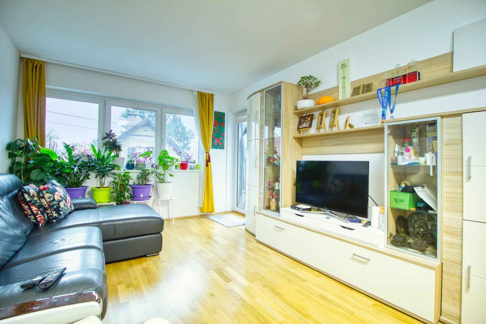 Neuwertige Balkonwohnung inkl. Garagenplatz! Nähe Gerasdorf - Nur 18min ins Zentrum