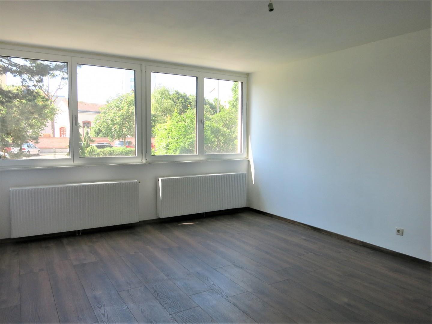 Neu sanierte Wohnung mit getrennt begehbaren Zimmern